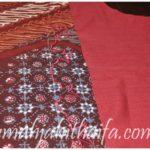 aksen sambungan dengan bordir di gamis batik ala RJH