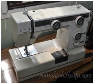 mesin jahit portable yamazaki 1 300x269 Memilih mesin jahit untuk jahitan rumah/home sewing