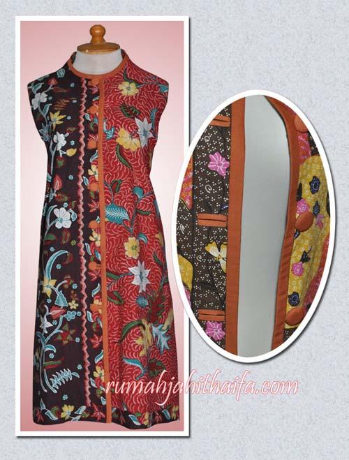 Inner coat batik dengan lubang kancing bobok