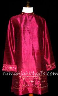blouse dari bahan nepsilk bersulam