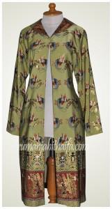long jaket batik Ibu Lela Abdul Karim